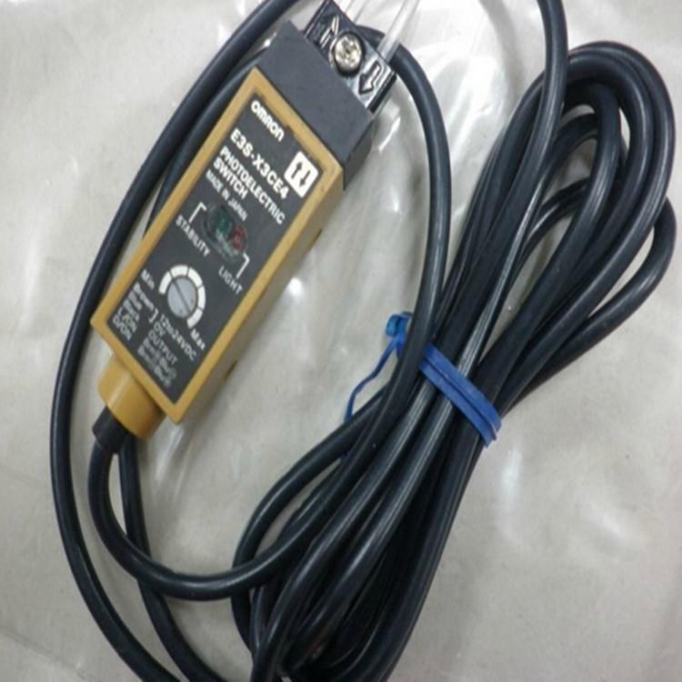 欧姆龙 光电传感器 E3S-X3CE4